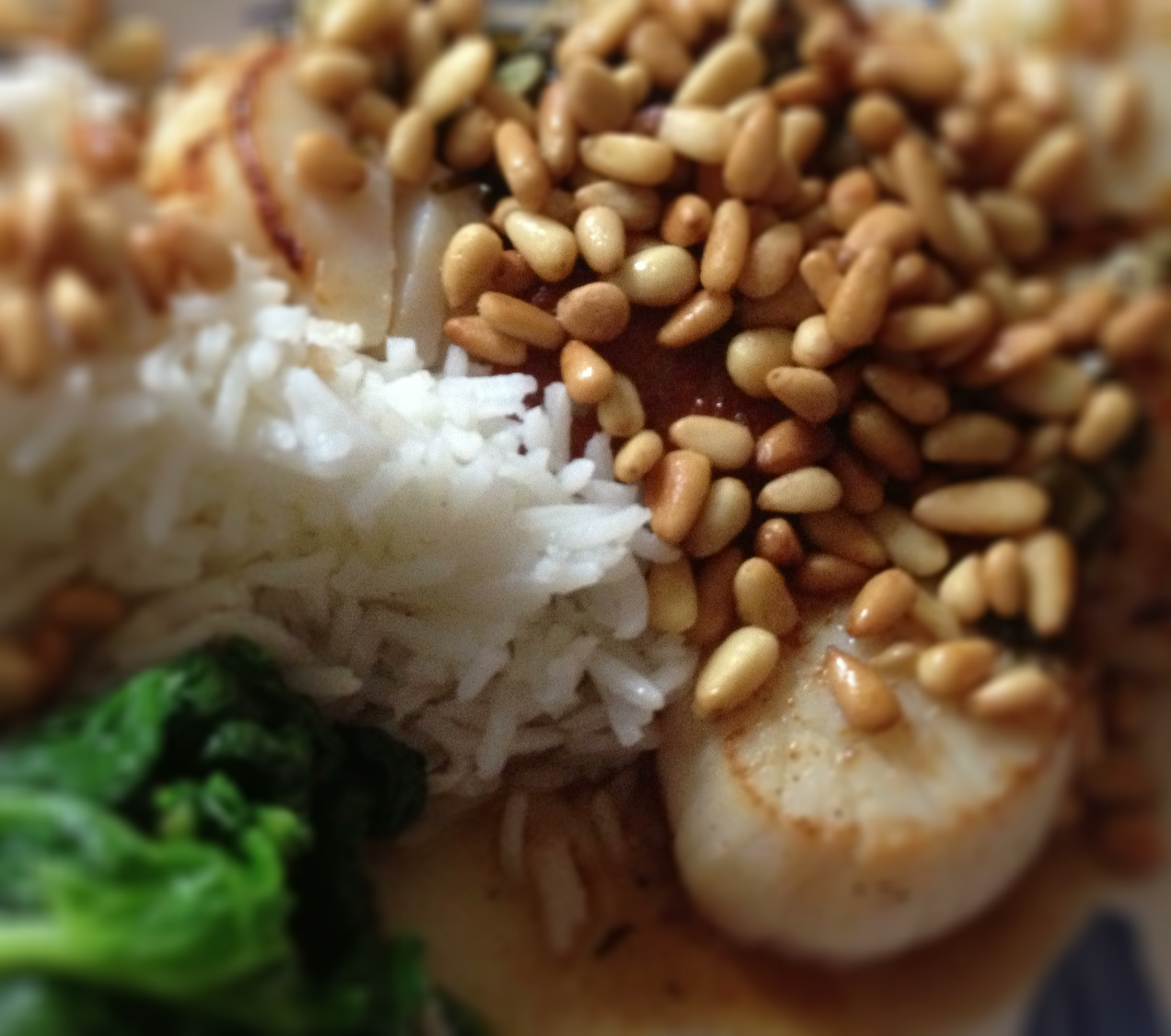 Photo of scallops, spinach and rice